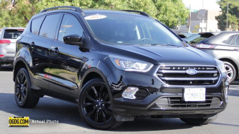 "Pre-Owned 2017 Ford<br /><span class=""vdp-trim"">Escape SE FWD 4D Sport Utility</span>"