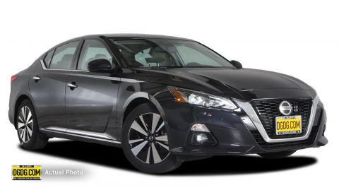 "New 2019 Nissan<br /><span class=""vdp-trim"">Altima 2.5 SV FWD 4dr Car</span>"
