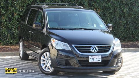 Pre-Owned 2014 Volkswagen Routan SE w/RSE & Navigation