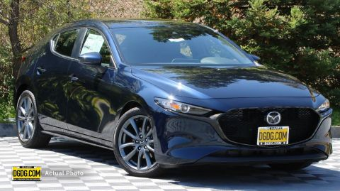 "New 2019 Mazda<br /><span class=""vdp-trim"">Mazda3 Hatchback w/Preferred Pkg AWD Hatchback</span>"